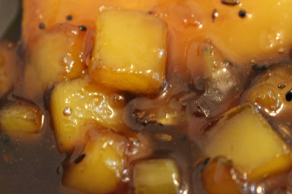 Aam Gura (Quick Sweet Mango Jaggery Pickle)