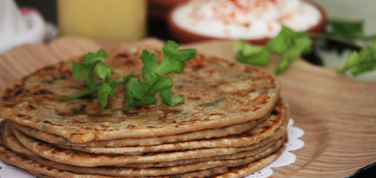 Aloo Paratha ( Potato stuffed bread)