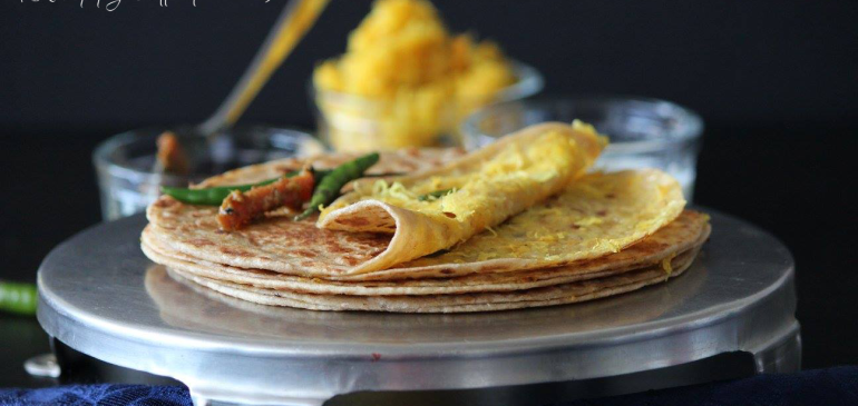 Papita Paratha ( Raw papaya stuffed flat bread)
